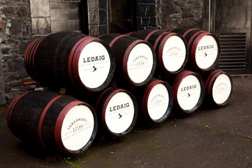 ledaig_tobermory_whisky_barrels